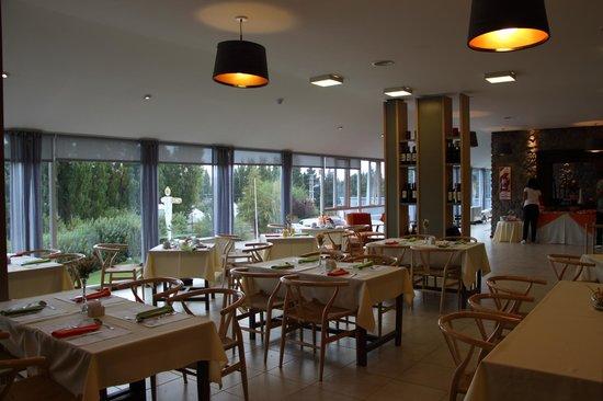 "Hotel A.C.A.: Comedor, Restaurante ""Otra vez sopa"""