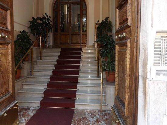 BBRome4U: The elegant entrance
