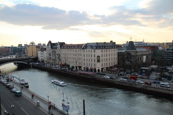 Meliá Berlin : River Views from Premium Room