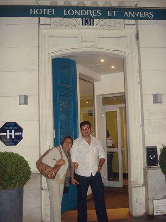Londres et New York Hotel: em frente ao hotel