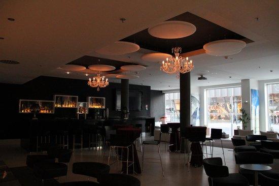 Meliá Berlin : Lobby Bar Area