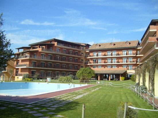 Golden Tulip Resort Marina di Castello: vista dell' Hotel