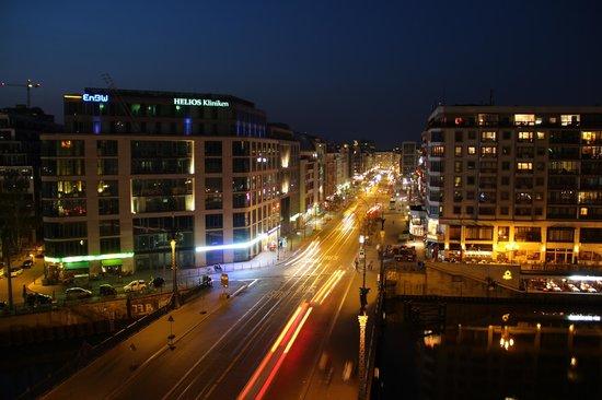 Meliá Berlin : Night Views from Premium Room