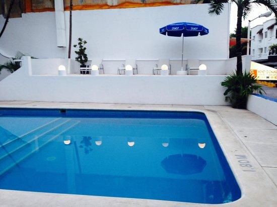 Tropical Casa Blanca Youth & Chic: Pool