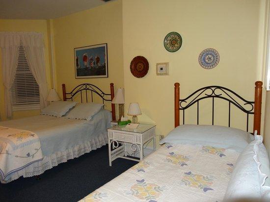 Captain's Quarters Inn: Habitación