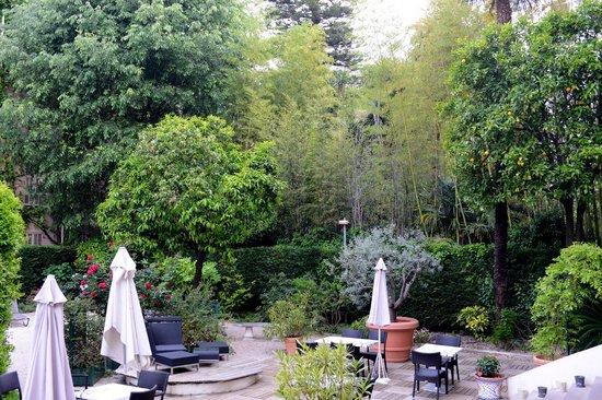 Hotel Villa Victoria: il giardino