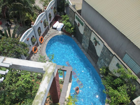 Hong Thien Hotel 1: View from balcony