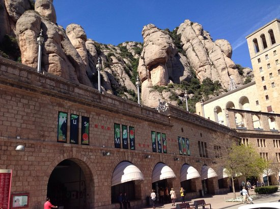 Barcelona Turisme - Afternoon in Montserrat Tour : 02.-04.04.2014
