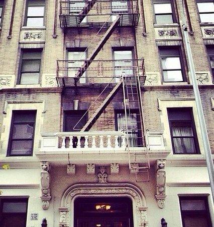 Morningside Inn: Фасад здания отеля