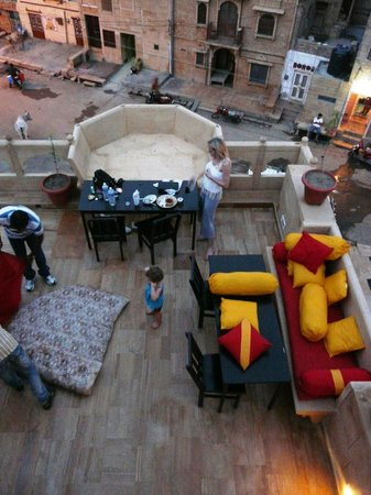 Hotel Pleasant Haveli : View of the rooftop restaurant