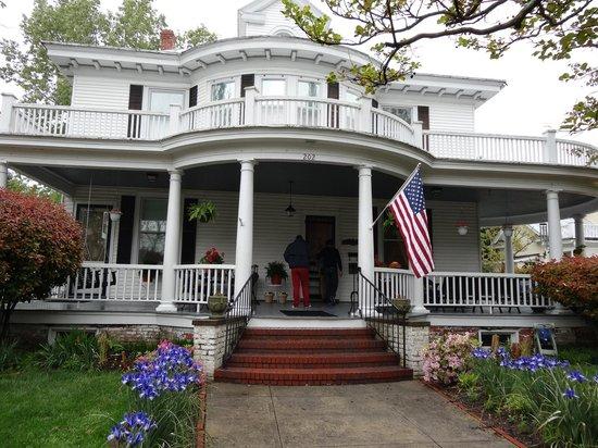 Captain's Quarters Inn: Vista desde fuera