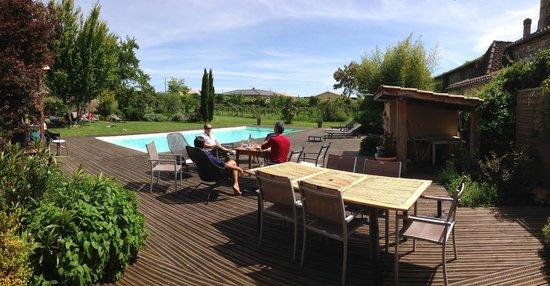 Chambres en Vigne: Terrasse avec Piscine