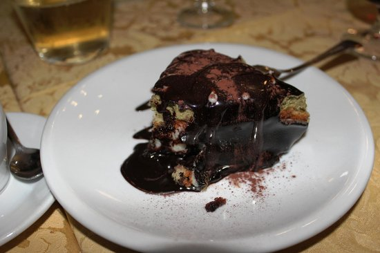 Sicilia In Bocca da Salvo : Chocolaty dessert!
