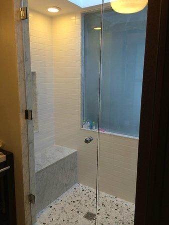 Sandals LaSource Grenada Resort and Spa : Shower
