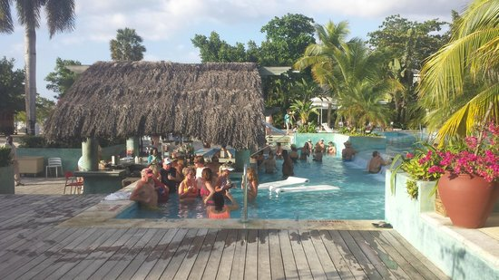 Couples Negril : pool bar