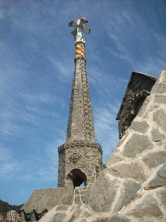 Torre Bellesguard Antoni Gaudi: La lanza de Sant Jordi