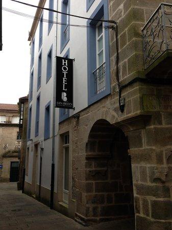 Smart Boutique Hotel Literario San Bieito: Rua lateral ao Hotel
