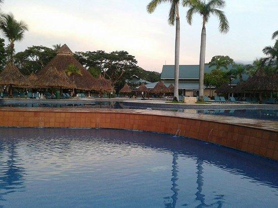 Barcelo Tambor Beach: Las hermosas piscinas del hotel