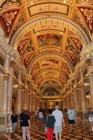 The Venetian Las Vegas: Hotel entrance