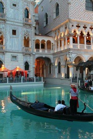 The Venetian Las Vegas : Gondola ride