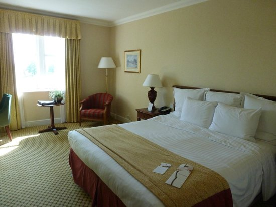 Breadsall Priory Marriott Hotel & Country Club: bedroom