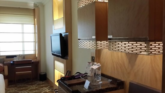 Marco Polo Hotel: Room