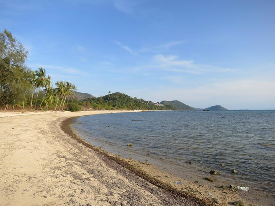 InterContinental Samui Baan Taling Ngam Resort : Am Ende des unattraktiven Strandes