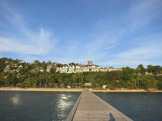 InterContinental Samui Baan Taling Ngam Resort : Das Hotel vom Steg aus