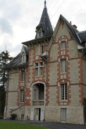 Chateau de Boisrobert : Front of the chateau