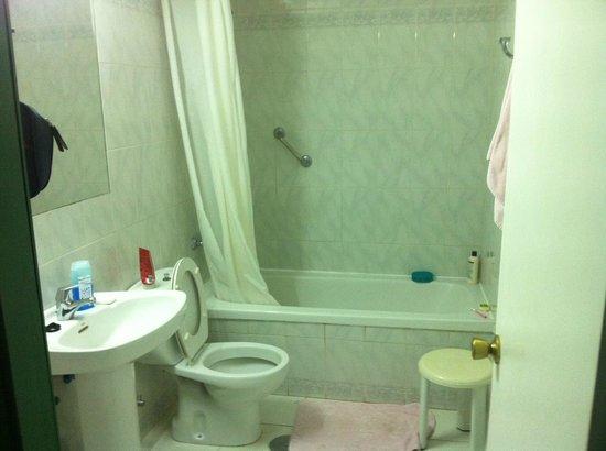 Corona Blanca: Bathroom