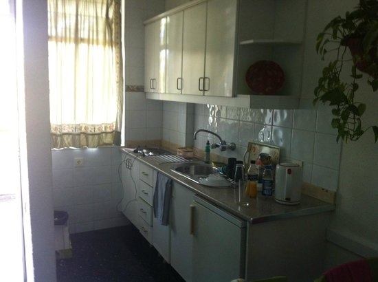 Corona Blanca: Kitchen