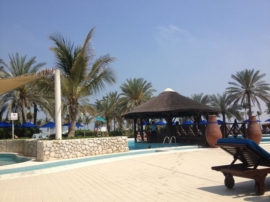JA Jebel Ali Beach Hotel: Pool area