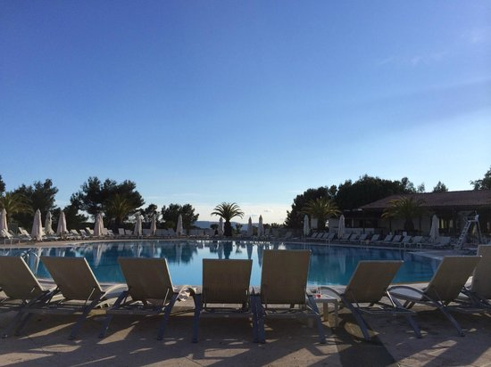 Buffet picture of club med opio provence opio tripadvisor for Club azur magog piscine