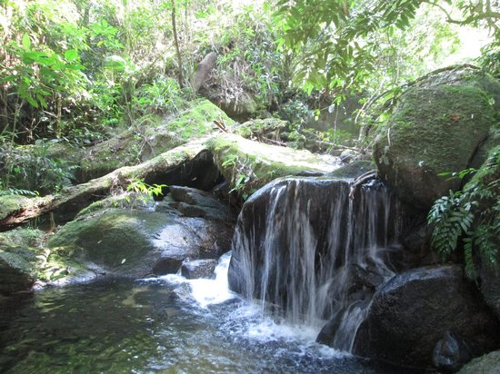Sitio Arariba : One of the many waterfalls in the backyard