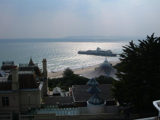 Marsham Court Hotel: room view over Bournemouth bay to Old Harry rocks in distance
