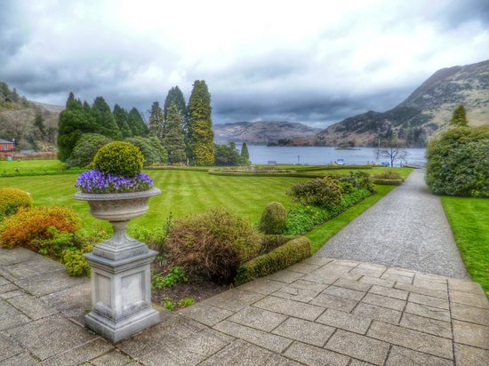 Inn on the Lake: The Hotel gardens