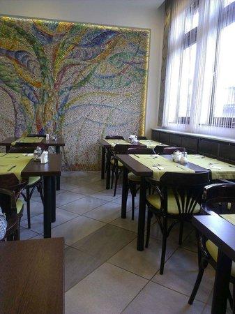 Medosz Hotel: Комната для завтрака