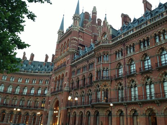 St. Pancras Renaissance Hotel London: So much history...