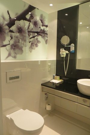 Radisson Blu Sobieski Hotel Warsaw : Bathroom (room 602)