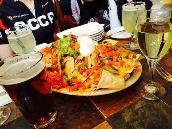 Doc Martin's Restaurant: ... the best nachos ever!