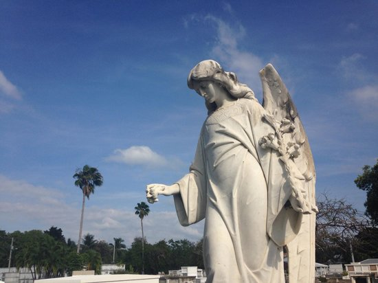 Key West Cemetery: peaceful statuary that are interesting to see