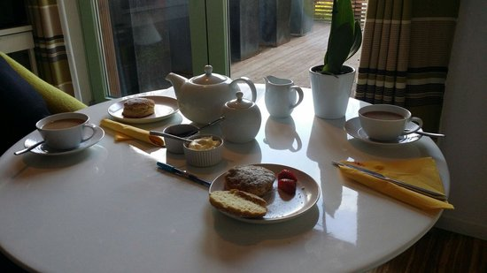 The Copper House - Portreath: Fresh scones and cream with homemade jam awaited us!!!!!