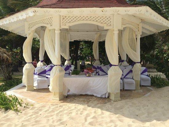 Luxury Bahia Principe Cayo Levantado Don Pablo Collection: wedding area  (23/04/14)