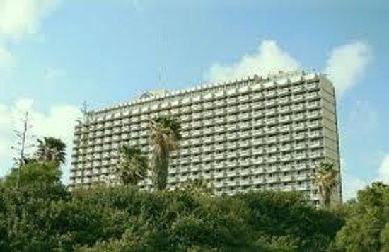 Hilton Tel Aviv: The Hilton from Independence Park