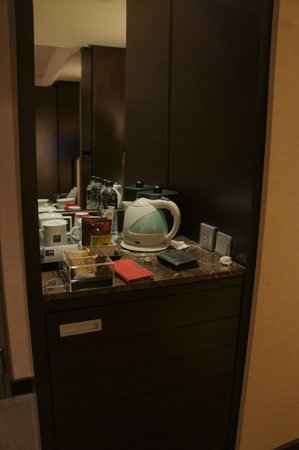 THE Tango Taipei XinYi: Minibar with complementary drinks