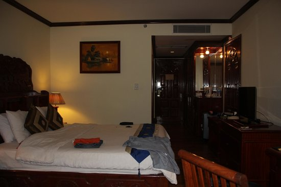 Angkor Paradise Hotel: Top Floor Room