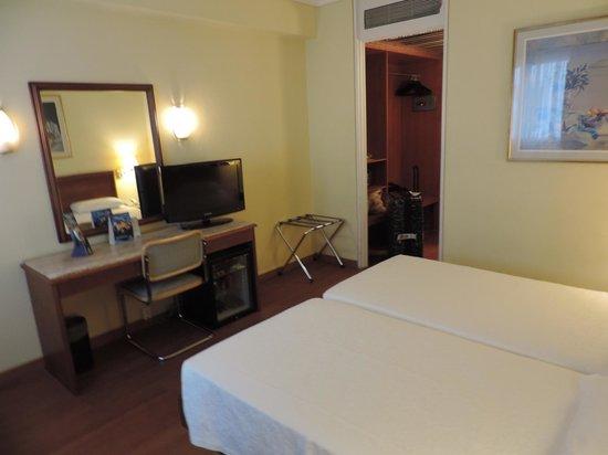 Titania Hotel: Quarto standard