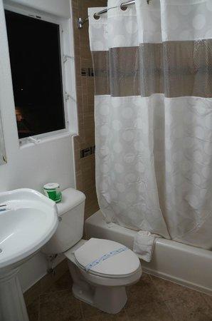 Sunset Motel: Banheiro