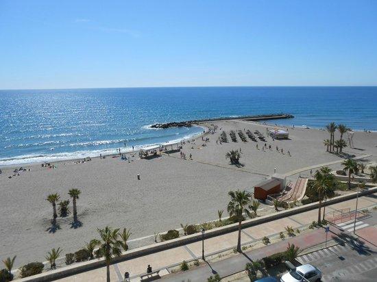 Best Indalo: Vistas desde el balcón_playa y espigón