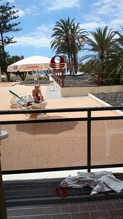 Sol Tenerife: habitancion dando pa el solarium
